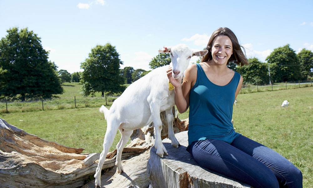 gosia-and-a-goat1000