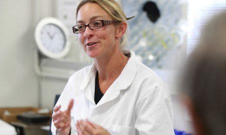 Dr-Serean-Adams-speaking-in